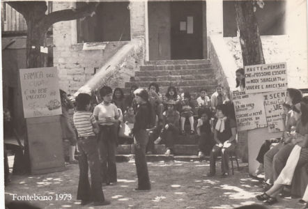Fontebono Femmine 1973 - Sit In 01